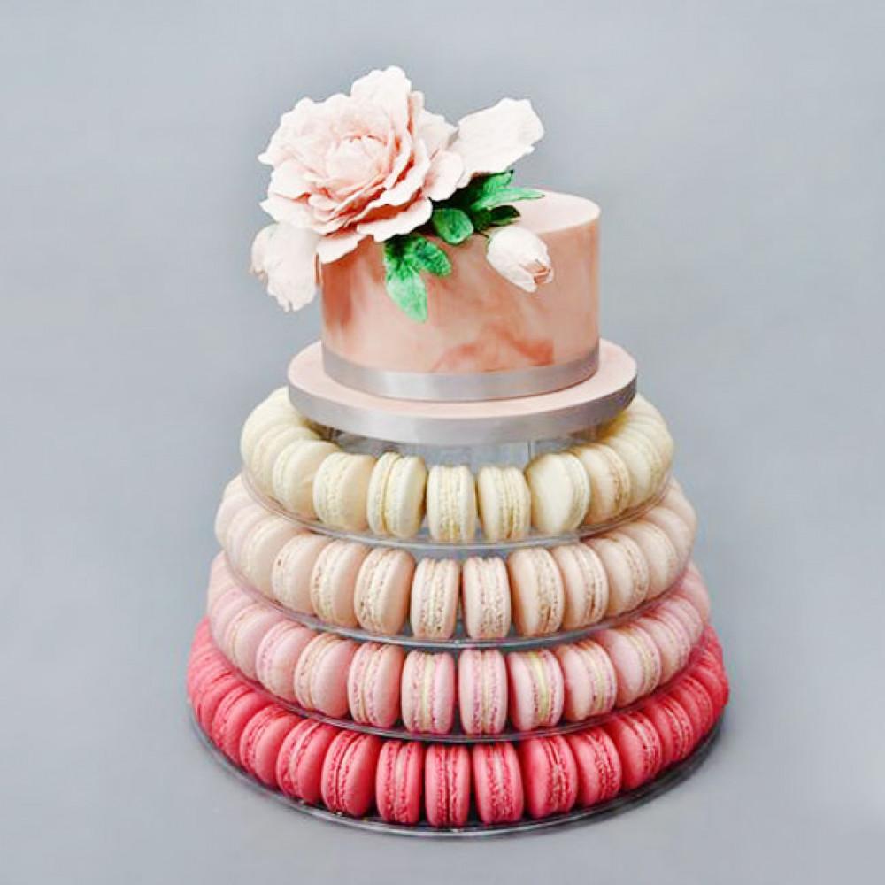 Торт-башня из макарун