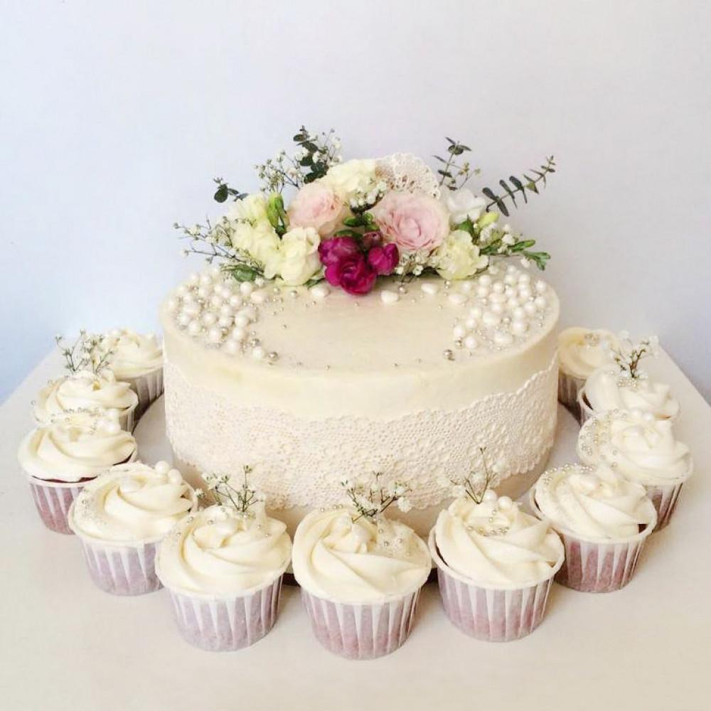 Свадебный торт с капкейками