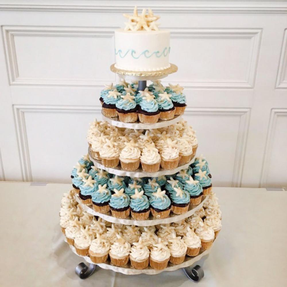 Свадебный торт из капкейков на подставке