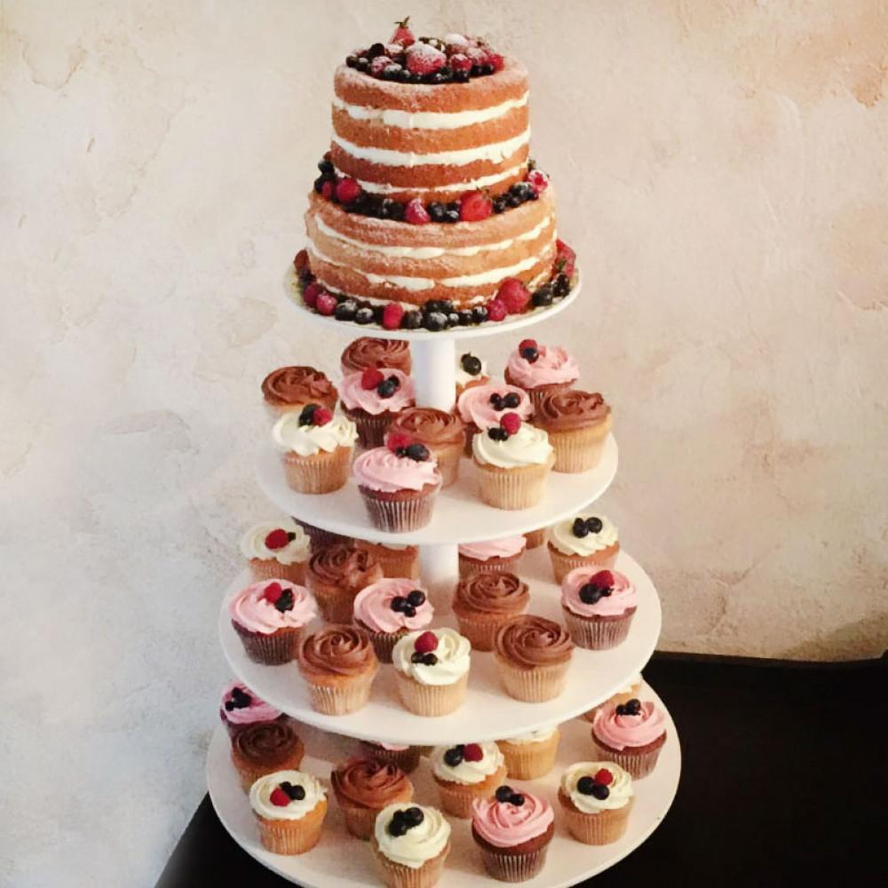 Открытый торт с пирожными без мастики
