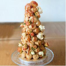 Свадебный торт из профитролей