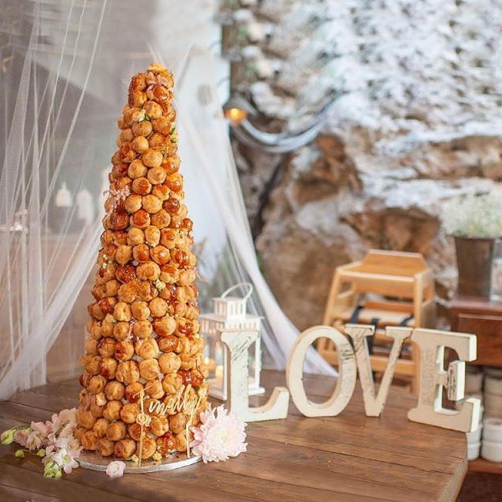 Торт на свадьбу «Крокембуш»