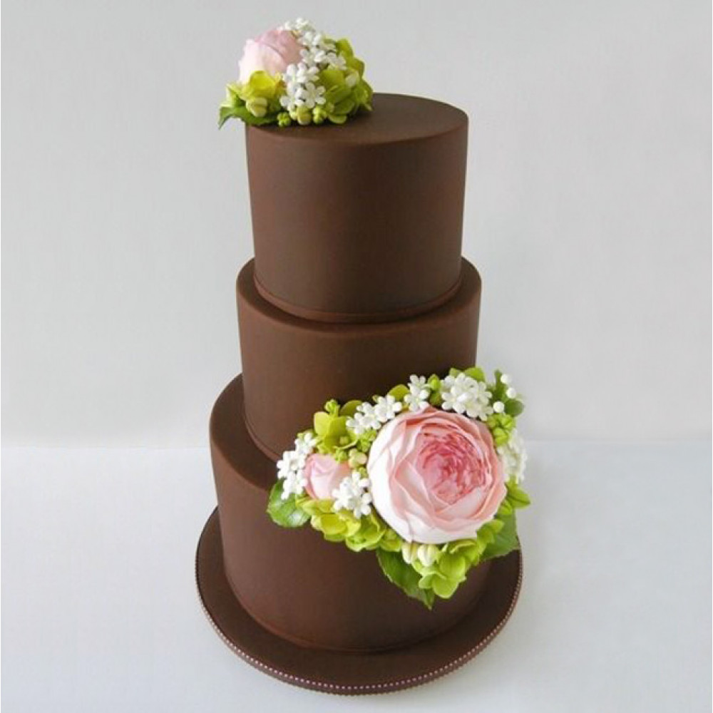 Велюровый свадебный торт