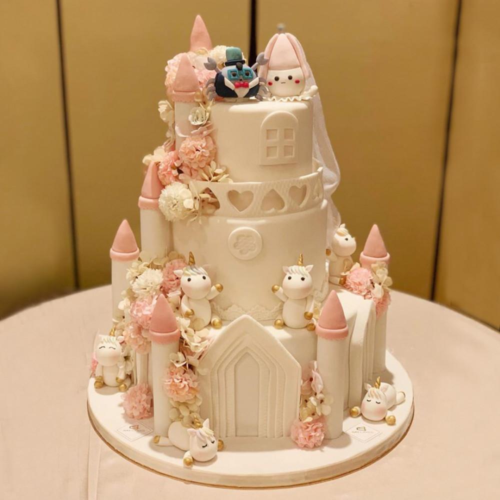 Свадебный торт замок любви