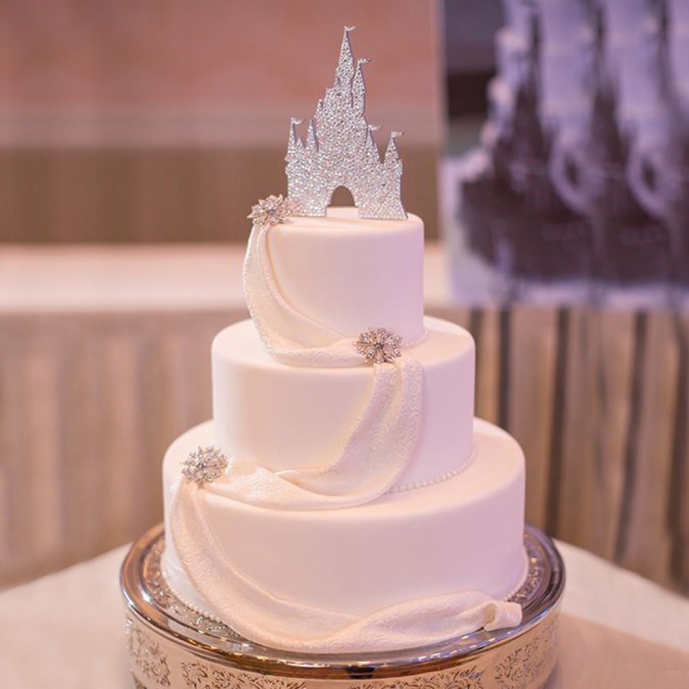 Свадебный торт в виде замка