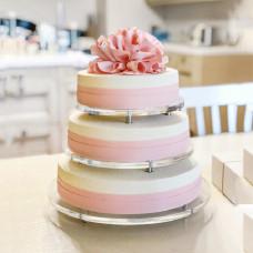 Бархатный свадебный торт