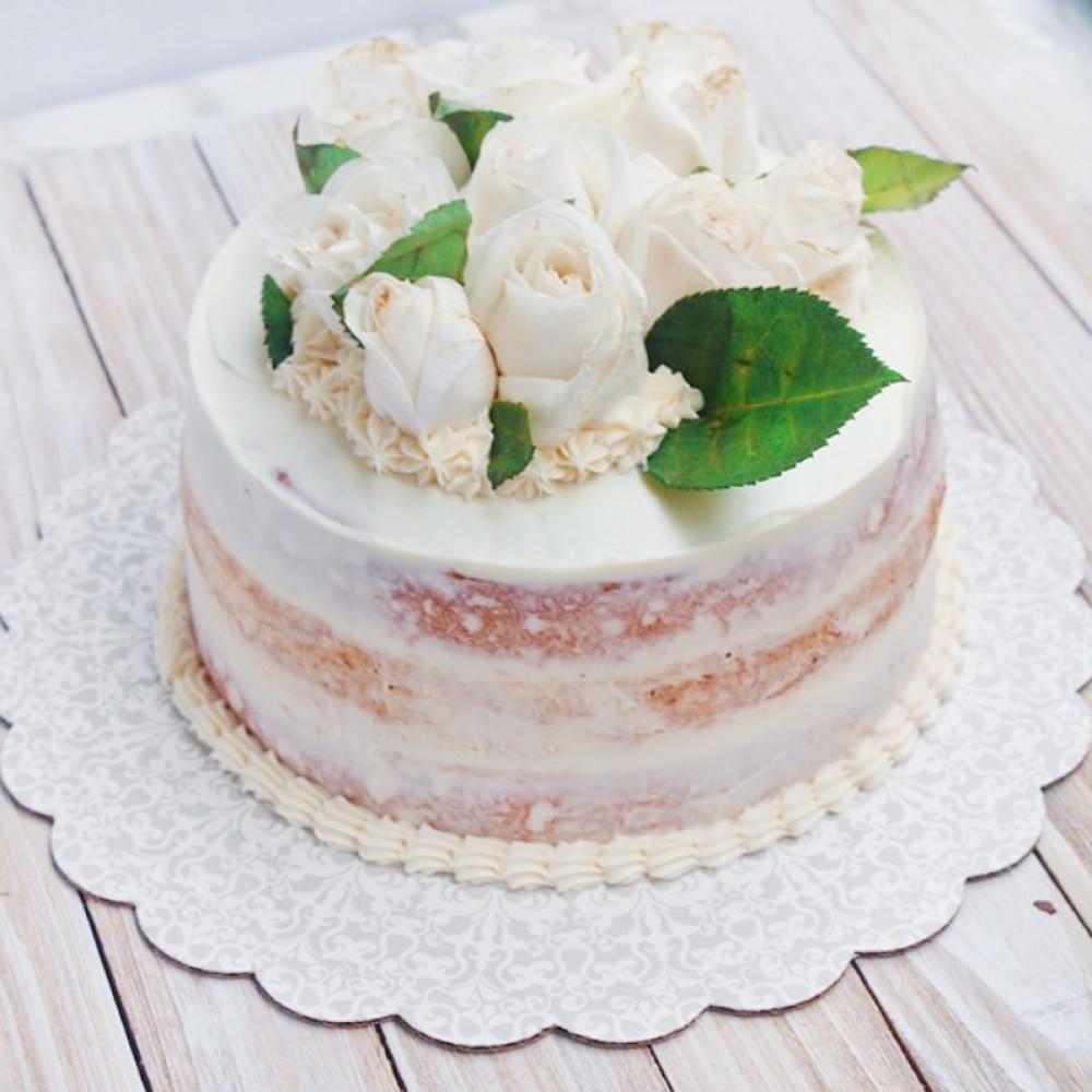 Свадебный торт с открытыми коржами и розами