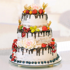 Свадебный голый торт в деревенском стиле
