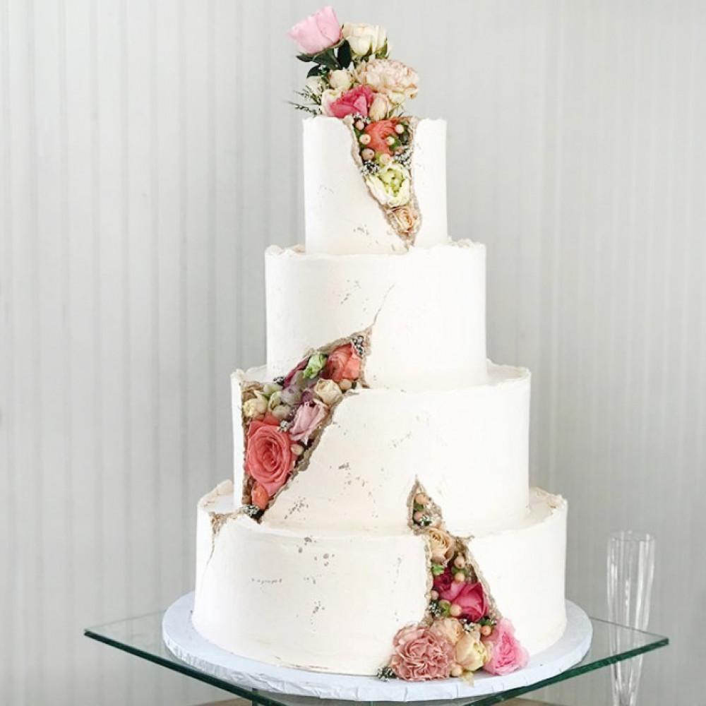 Оригинальный торт на свадьбу купить в Москве