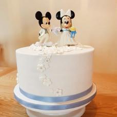 Свадебный торт с прикольными фигурками