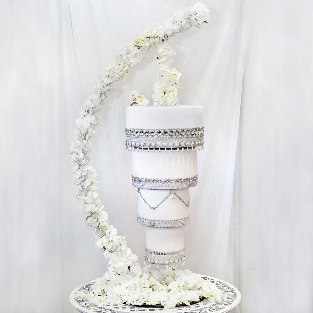 Свадебный торт в виде люстры заказать в Москве