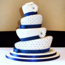 Асимметричный свадебный торт